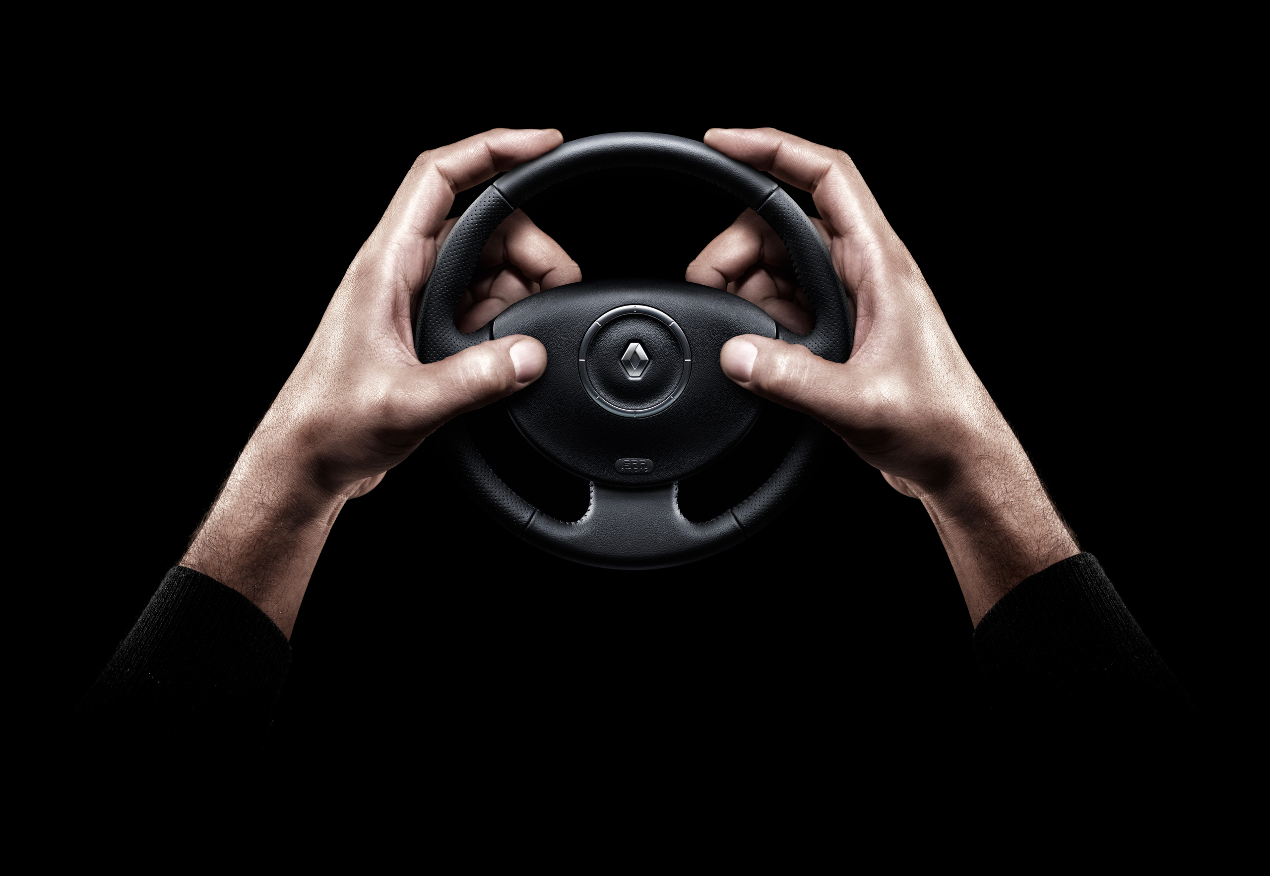 Renault_PSP_DriveOrPlay_Hands